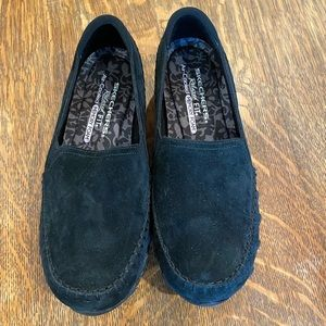 Sketchers relaxed fit memory foam loafers size 7.5
